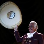 """Vicente Fernández interpreta """"Cuando manda el corazón"""", tema de Amor bravío"""