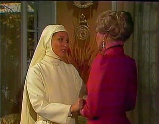 angelica maria es monica