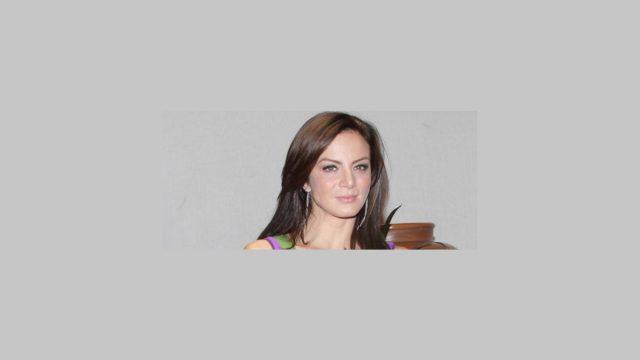 Fotos de Silvia Navarro con su look para la telenovela Quisiera amarte