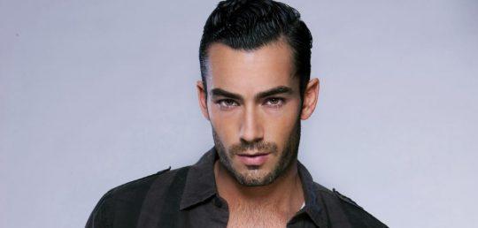 Aarón Díaz el protagonista de la telenovela Teresa