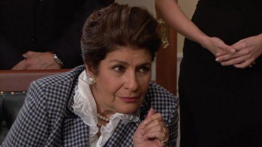 Raquel Olmedo hace su aparición en Teresa