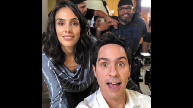 Saludos navideños del elenco de Teresa y Sandra Echeverría