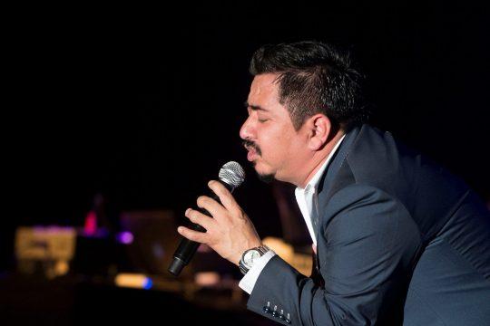 Carlos Macías – Olvidarte Jamás (Amor bravío)