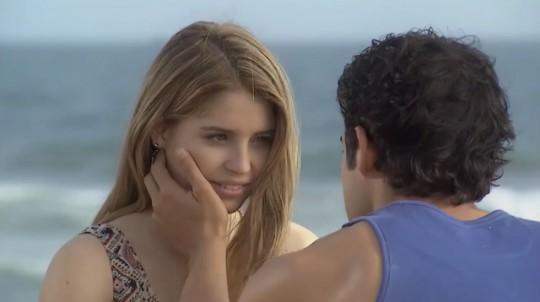 """Canciones """"Ven, baila, quinceañera"""": Camila y Marco"""