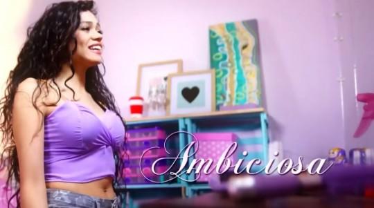 """Canciones """"Ven, baila, quinceañera"""": Viviana"""