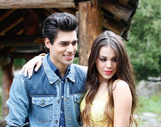 Eduardo Brito y Dana Paola – Mientras me enamoras