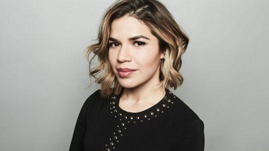 America Ferrera, productora de la novela interactiva Pedro y María