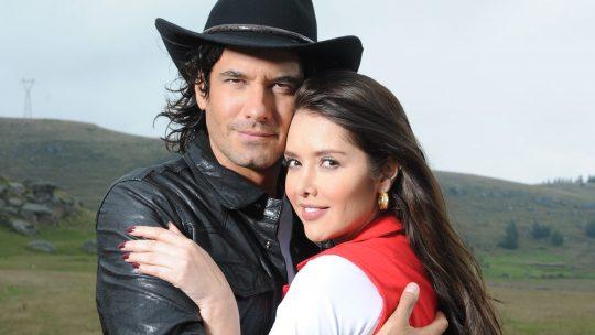 Marlene Favela y Mario Cimarro graban promocional de Los herederos del Monte