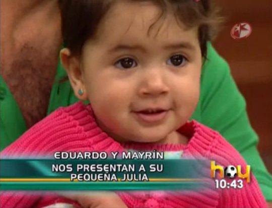 Julia, la hija de Eduardo Santamarina y Mayrín Villanueva