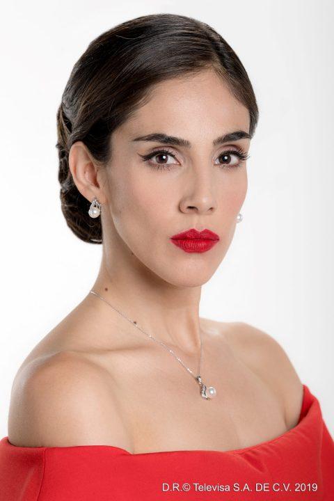 Sandra Echeverria Paola