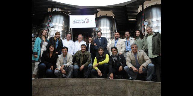 Fotos del claquetazo de la telenovela Cuando me enamoro en Ensenada