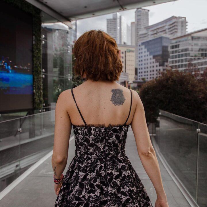 iran castillo tatuaje espalda
